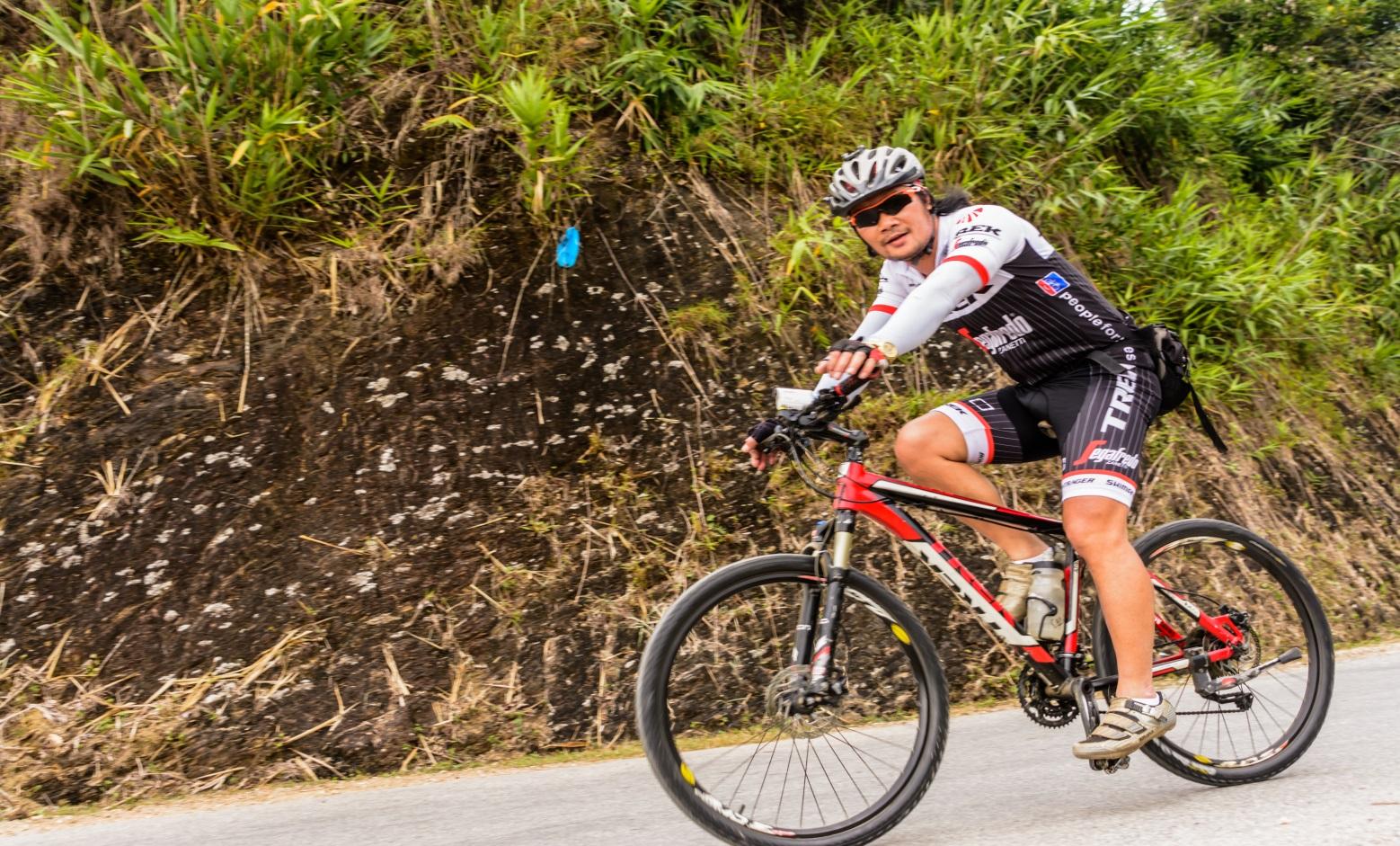 12 DAYS CYCLING ON HIDDEN CHARM TRAILS  MAI CHAU - PHU LUONG NATURAL RESERVER - CUC PHUONG  PARK – HAI PHONG – CAT BA ISLAND