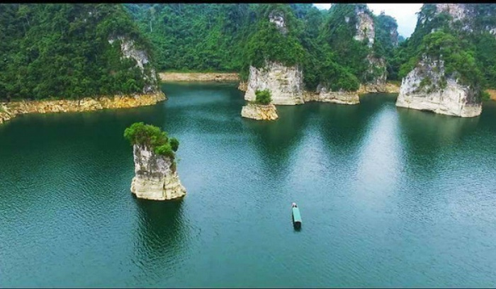 12 DAYS ALLURING FAR NORTH VIETNAM BICYCLE TRIP