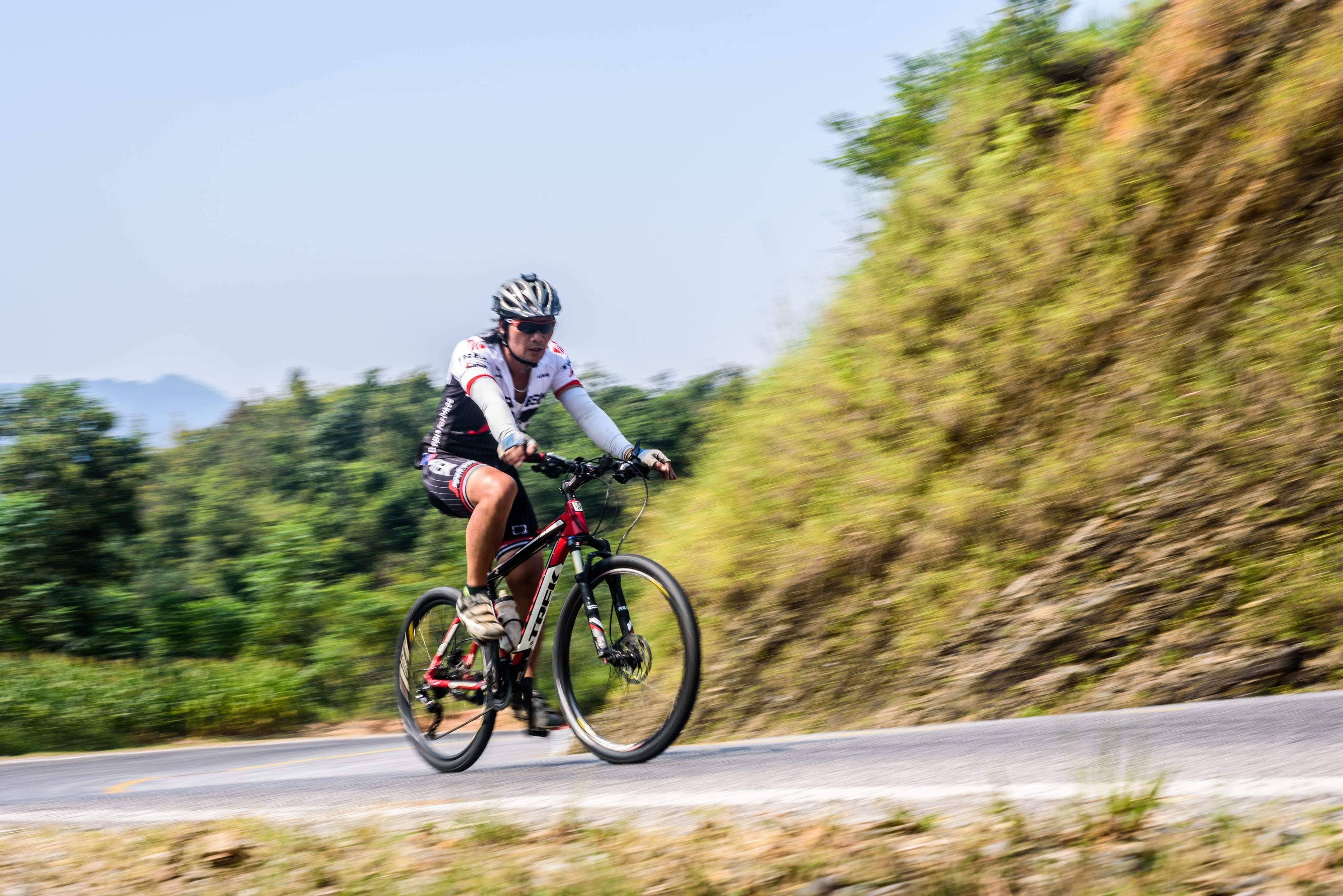 10 DAYS HANOI – HA GIANG CYCLING ADVENTURE TOURS