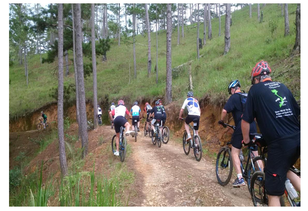 20 DAYS - HANOI - LUANG PRABANG - PHONSAVAN - VIENG XAI - MAI CHAU - HANOI CYCLING TRIP
