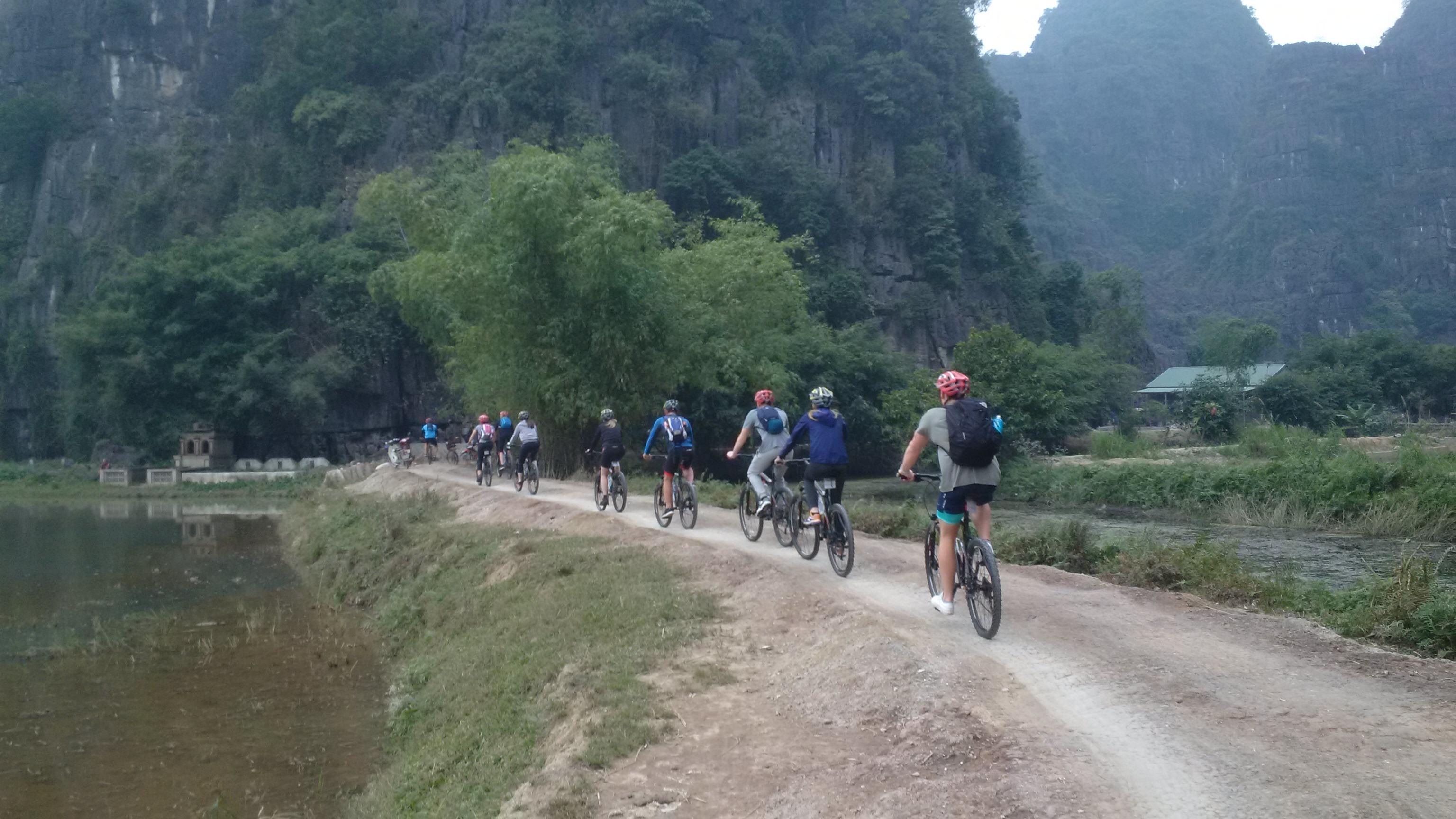 10 DAYS - MAI CHAU - PHU LUONG - HALONG BICYCLE TRIP